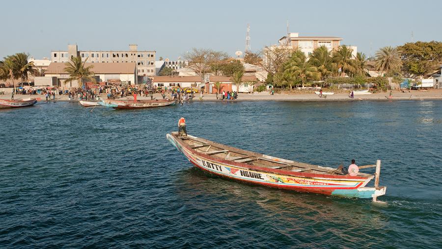 Banjul je hlavním městem Gambie. Žije v něm téměř půl milionu lidí.