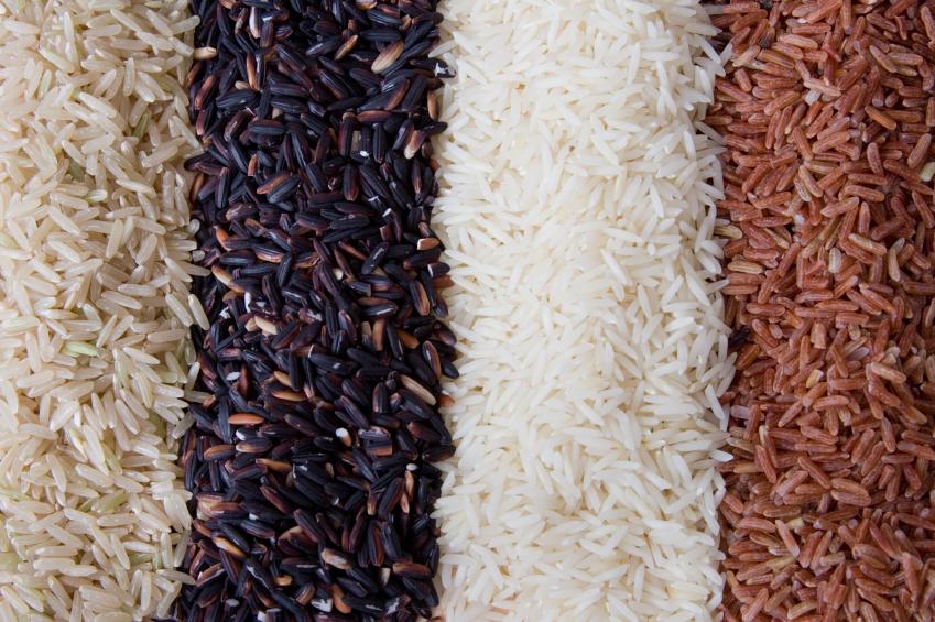 Rýže. Bílá, červená i černá.