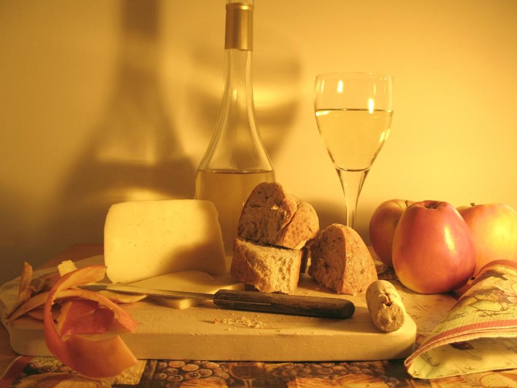 Víno a sýr k sobě prostě patří